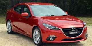 MAZDA 3 1.6 DYNAMIC 4-DOOR AT