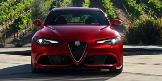 1 ALFA ROMEO GIULIA 2.0 SUPER WITH STILE PACK